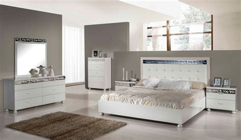 Kasur Bed Minimalis get that streamlined bedroom appeal with modern furniture la furniture