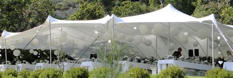 A wedding in a nature scene with Tentickle tents