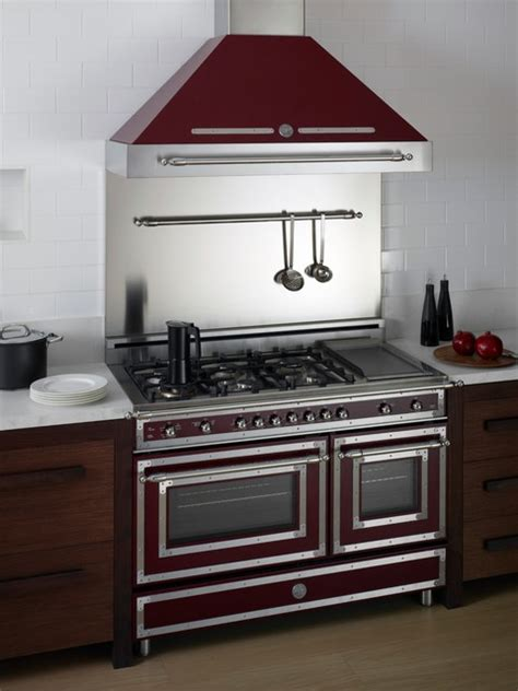 bertazzoni heritage series ranges and hoods the official heritage series burgundy 48 quot range and hood traditional