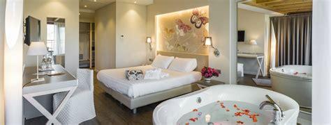 spa con vasca idromassaggio in hotel con idromassaggio in hotel spa miramonti