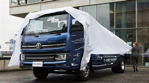 vw truck volkswagen commits 1 7 billion to electric trucks