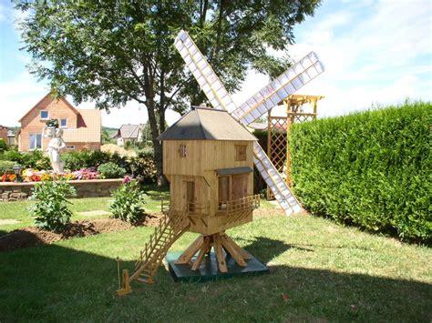 moulin a vent pour jardin beautiful moulin en bois pour jardin 9 le moulin 224 vent helvia co