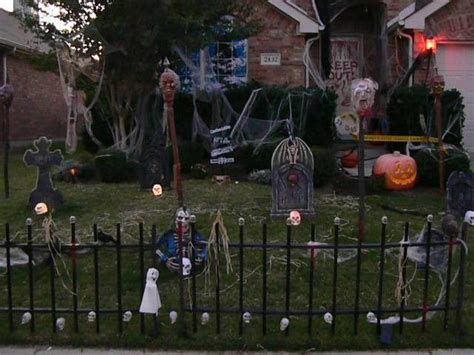 scary front yard decorations front yard photo 8740522 fanpop
