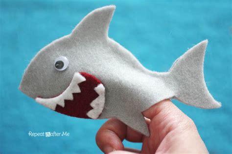baby shark repeat felt shark finger puppet repeat crafter me