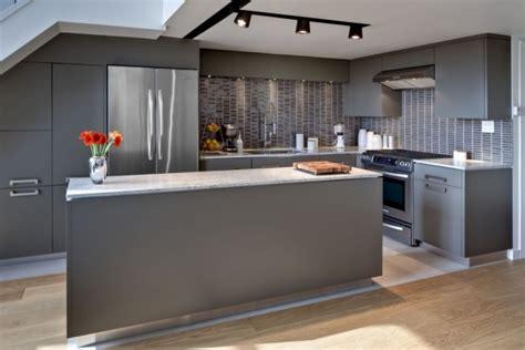 grey modern kitchen design cuisine grise profitez espace moderne 23 id 233 es sympas