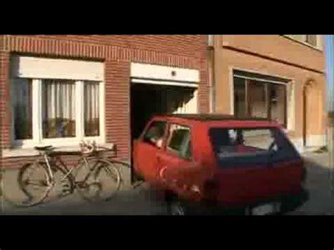 een belg met zijn kleine garage - Kleine Garage