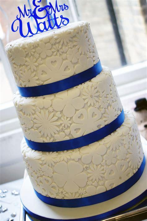 blue flower wedding cake royal blue flower st 3 tier wedding cake bakealous