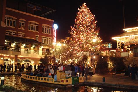 Good Chickasha Ok Christmas Lights #7: 1323627372_1323627372-bricktowncanalchristmaslights.jpg