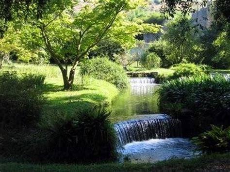 cascate artificiali da giardino cascate progettazione giardini cascate da giardino