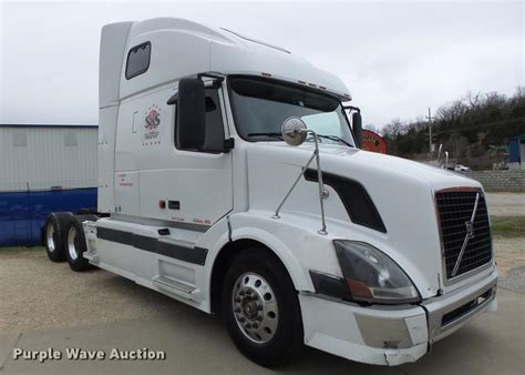2006 volvo truck tractor 2006 volvo vnl for sale 12420859 from purple wave inc