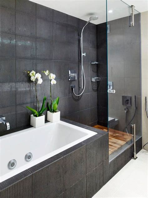 how to fit a bathtub in a small bathroom best 25 tub shower combo ideas on pinterest