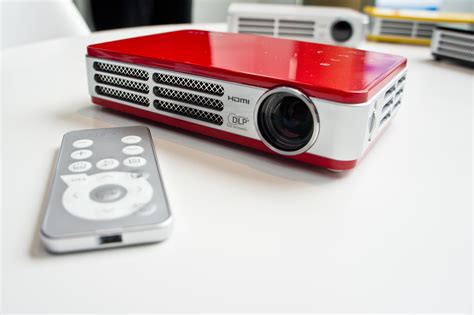 Projector Qumi vivitek qumi q5 mini projector complete review specs
