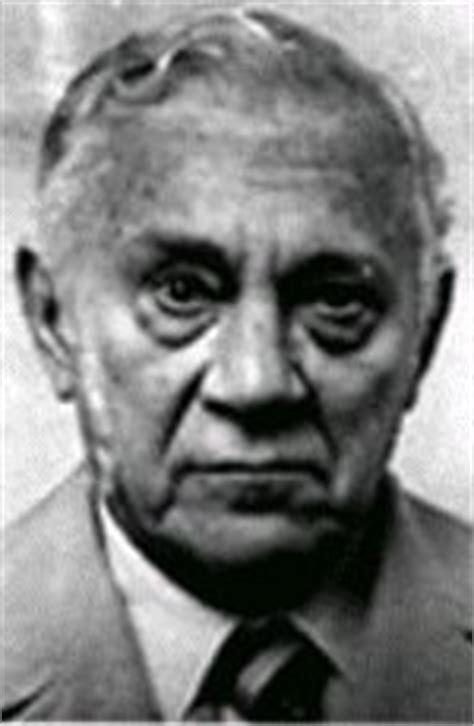 Vincenzo Castellano Also Search For Carlo Gambino P 229 Gangsters Al Capone Och Mafia