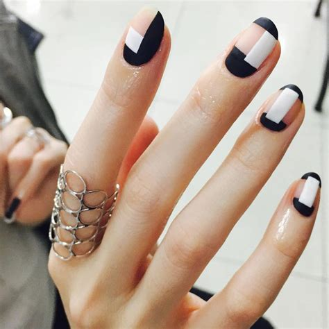 geometric pattern nails 25 best ideas about geometric nail art on pinterest