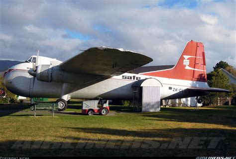 bristol 170 freighter mk31m safe air straits air freight express aviation photo 2669184