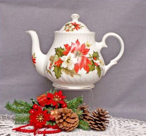 christmas teapots made in england poinsettia pine 6 cup bone china teapot heirloom collection