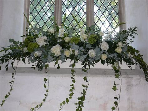 Sonning Flowers   Contemporary flowers handpicked to