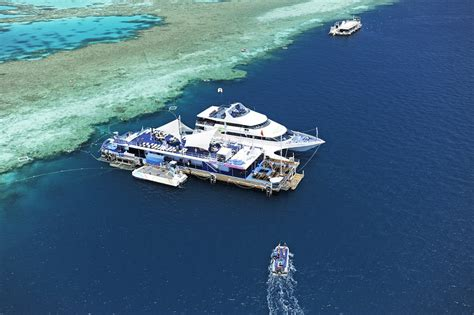 glass bottom boat tours gladstone what it s like to holiday like taylor swift on australia s