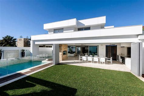 modern custom homes geraldine street cottesloe the modern private house upon