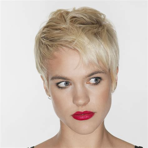 pixie haircuts  business women easy  fast short