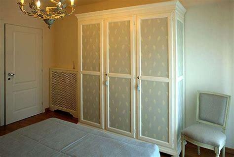 carta per ricoprire armadio decorare un armadio con la carta da parati foto 9 40