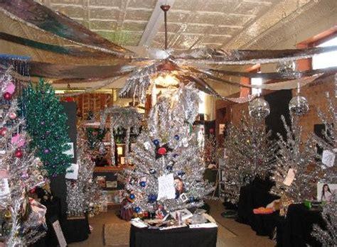 o shiny tannenbaum brevard s aluminum christmas tree