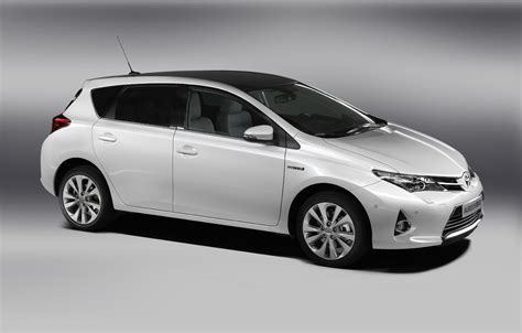 scion xb to be replaced by auris hatchbach iq dead after