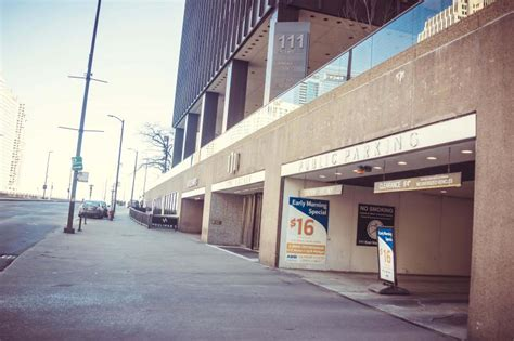 Abm Garage by Abm Parking Services At 111 E Wacker Dr Chicago Parking