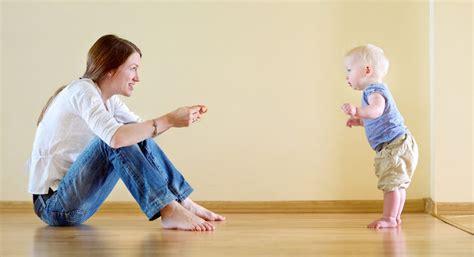 imagenes niños aprendiendo a caminar 6 consejos para ayudar a un beb 233 a aprender a andar