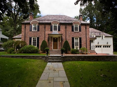 brick home exterior traditional brick house exterior can you paint exterior brick interior