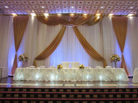Wedding Backdrop Design by Gold Wedding Backdrop Design Done Through Weds By Mega