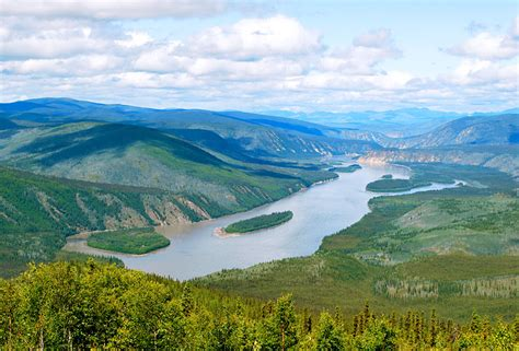 Teh Yakon an aerial view of the yukon river gonomad travel