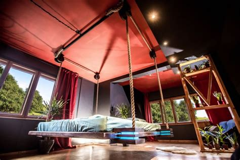 letti appesi al soffitto two hanging beds that take comfort to a new level