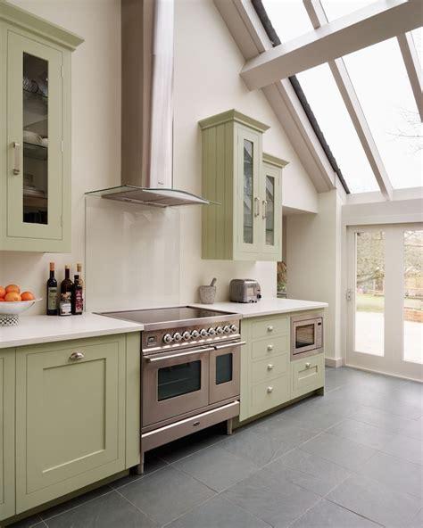 Apple White Paint Kitchen by Best 25 Apple Green Kitchen Ideas On Green