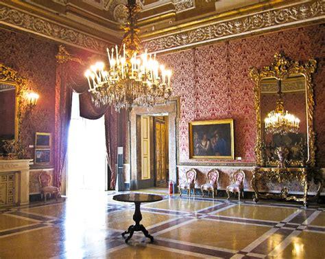 real mobili napoli visita straordinaria al palazzo reale di napoli un