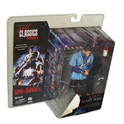 s mart ash figure cult classics series 6 army of darkness s mart ash 17 cm
