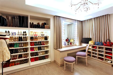 Walk In Closet Philippines by 5 Must See Closets Fashion And