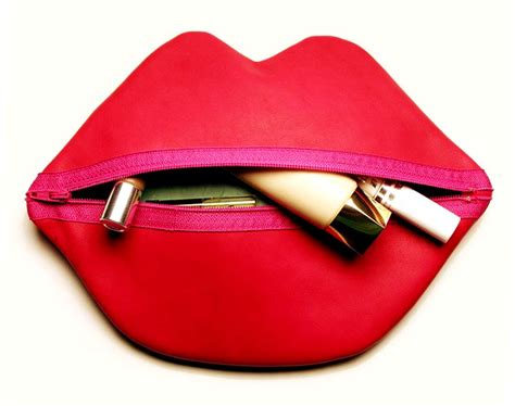 tutorial makeup bag makeup bag red lips tutorial diy tutorial ideas