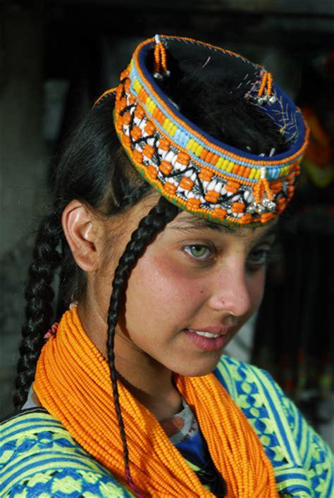 kalash women jules verne school sexto seventh grade kalash tribe