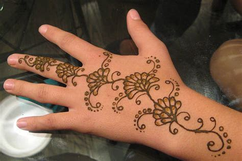 pakistan cricket player simple arabic henna design pakistan cricket player henna designs for beginners