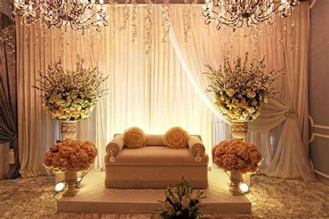 House pelamin   Dais   Wedding decorations, Wedding bride
