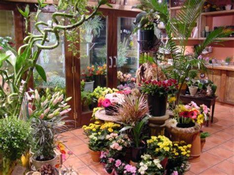 differences  florist shop