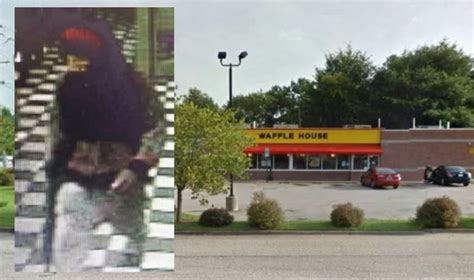 Waffle House Fight by Nc Waffle House Customers Fight Robber With Ak 47