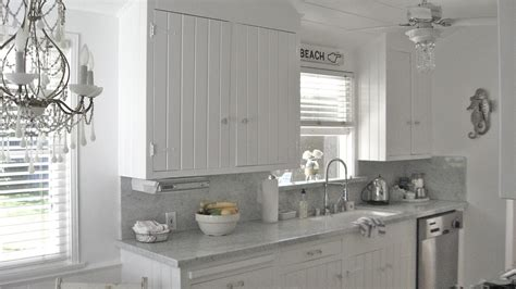 Chandeliers at beach house 27 beach house kitchen amp peace on the