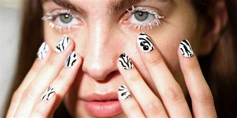 7 Fabulous Nail Trends To Try This Season by 9 Nail Trends You To Try This Year