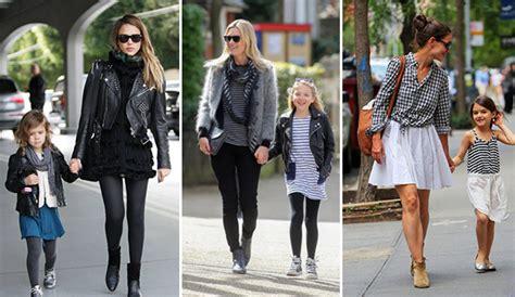 madre he hija cogen con el mismo madres e hijas vestidas iguales percentil