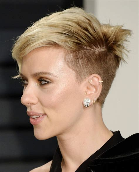 scarlett johansson ocscar hairdo scarlett johansson at vanity fair oscar 2017 party in los