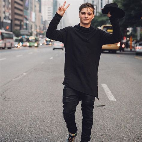 Sweater Martin Garrix Dennizzy Clothing 2 martin garrix martingarrix instagram photo goodbye seoul until next time