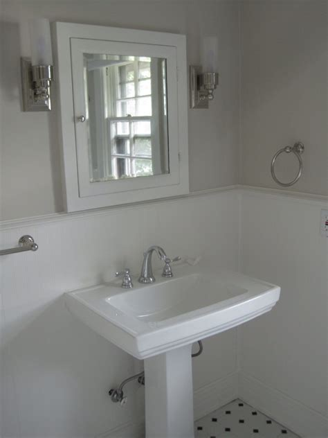 Guest bathroom paint and more progress! ? The Writer and