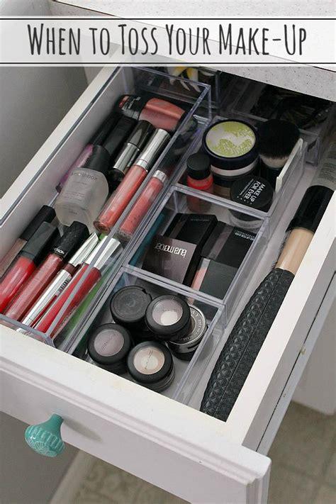 drawer organizing tips that keep the mess at bay